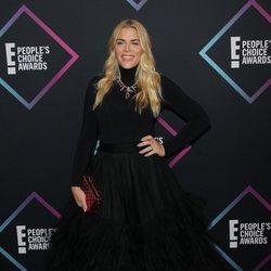 Busy Philipps en la alfombra roja de los People's Choice Awards 2018