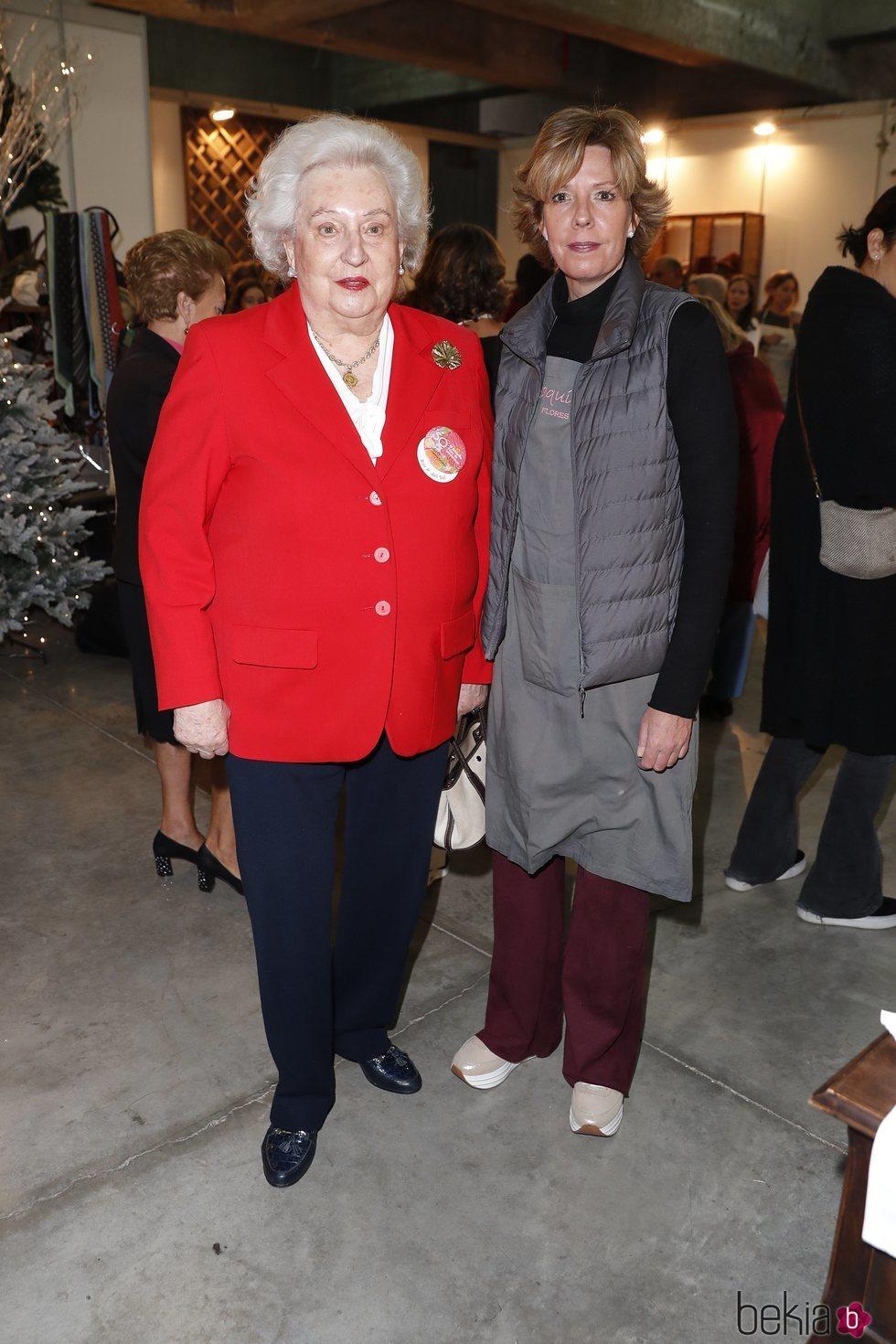 La Infanta Pilar y Simoneta Gómez-Acebo en el Rastrillo Nuevo Futuro 2018