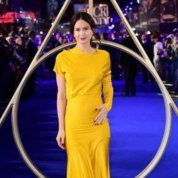 Katherine Waterston muestra su embarazo en el estreno de 'Animales Fantásticos: Los Crímenes de Grindelwald'