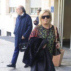 Carmen Borrego visitando a Terelu Campos tras su segunda intervención