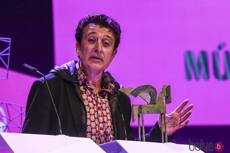 Manolo García recogiendo su galardón en los Premios Ondas 2018