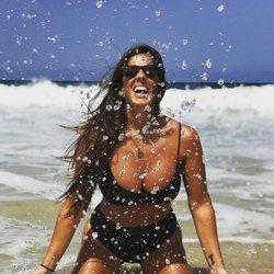 Anabel Pantoja disfrutando de unos días en la playa