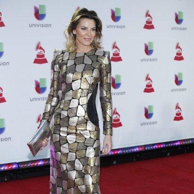 Mar Flores en la alfombra roja de los Grammy Latinos 2018