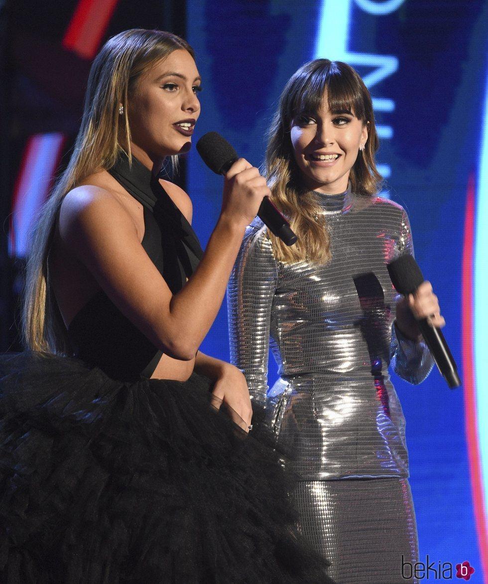 Aitana Ocaña y Lele Pons en los Grammy Latinos 2018