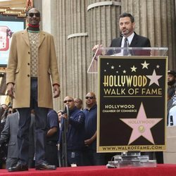 Snoop Dogg y Jimmy Kimmel en el Paseo de la Fama de Hollywood