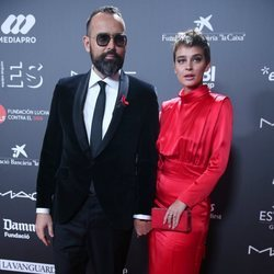 Risto Mejide y Laura Escanes en la gala 'People in red' 2018