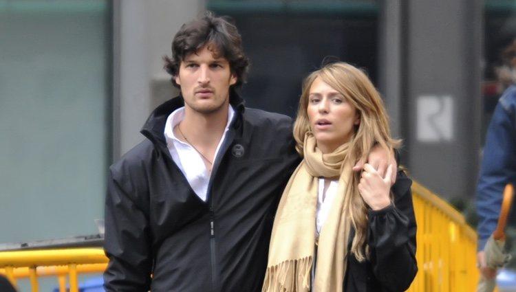 Rafa Medina y Laura Vecino pillados paseando de la malo cuando iniciaron su relación