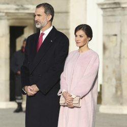 Los Reyes de España durante el recibimiento al Presidente de China en el Palacio Real de Madrid