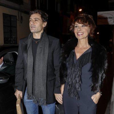 Cayetana Guillén Cuervo y Omar Ayyashi en la fiesta de 50 cumpleaños de Eugenia Martínez de Irujo