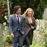 Malin Akerman y Jack Donnelly llegando a la boda de Kit Harington y Rose Leslie