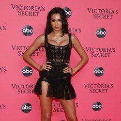 Kelly Gale en la fiesta de emisión del Victoria's Secret Fashion Show 2018
