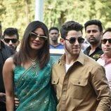 Nick Jonas y Priyanka Chopra en el aeropuerto de Jodhpur