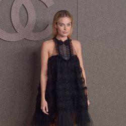 Margot Robbie en el desfile de Chanel de Nueva York