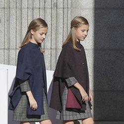 La Princesa Leonor y la Infanta Sofía a su llegada al acto por el 40 aniversario de la Constitución