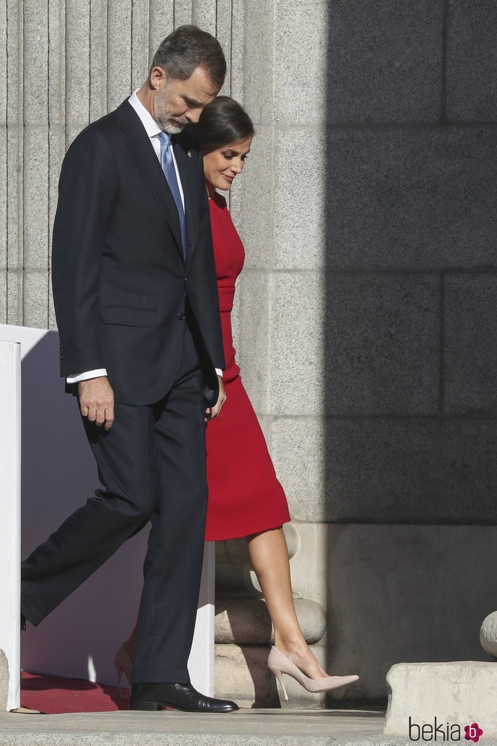 Los Reyes Felipe y Letizia a su llegada al acto por el 40 aniversario de la Constitución