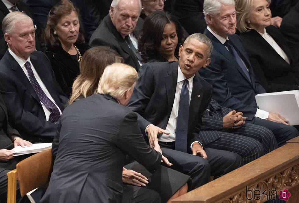 Donald Trump y Barack Obama en el funeral de George W. H. Bush