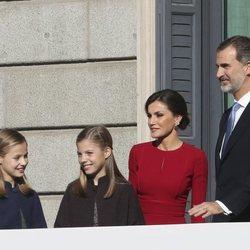 Los Reyes Felipe y Letizia, la Princesa Leonor y la Infanta Sofía a su llegada al acto por el 40 aniversario de la Constitución