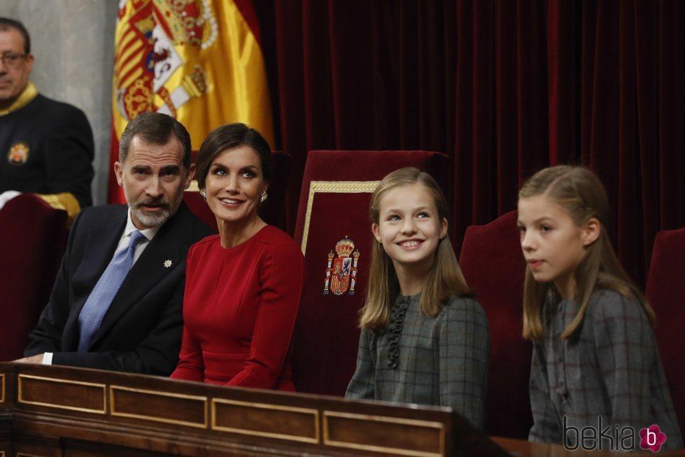 Los Reyes Felipe y Letizia, la Princesa Leonor y la Infanta Sofía en el 40 aniversario de la Constitución
