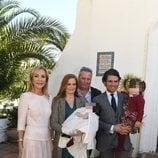Carmen Lomana, Olivia de Borbón y Julián Porras en el bautizo de Fernando Enrique