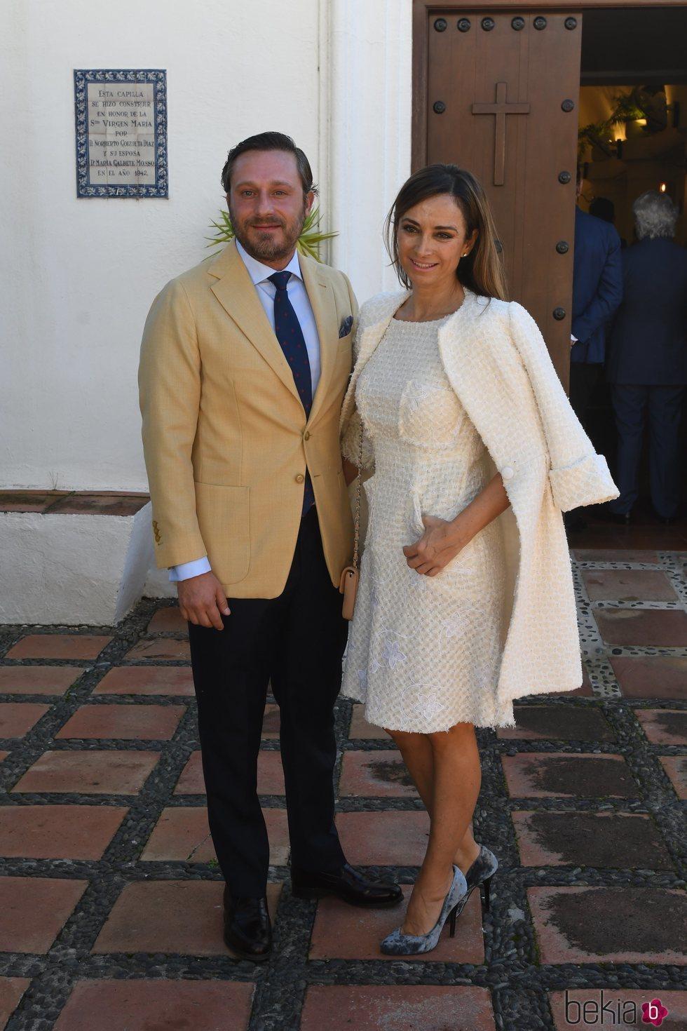 Juan Peña y Sonia González en el bautizo de Fernando Enrique