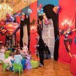Jacques y Gabriella de Mónaco en la fiesta de superhéroes por su 4 cumpleaños