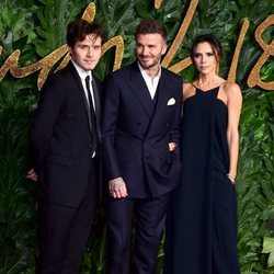 Brooklyn, David y Victoria Beckham en los British Fashion Awards 2018