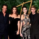Rande Gerber, Cindy Crawford, Kaia y Presley Gerber en los British Fashion Awards 2018