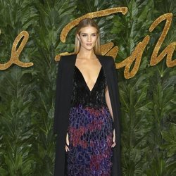 Rosie Huntington-Whiteley en los British Fashion Awards 2018