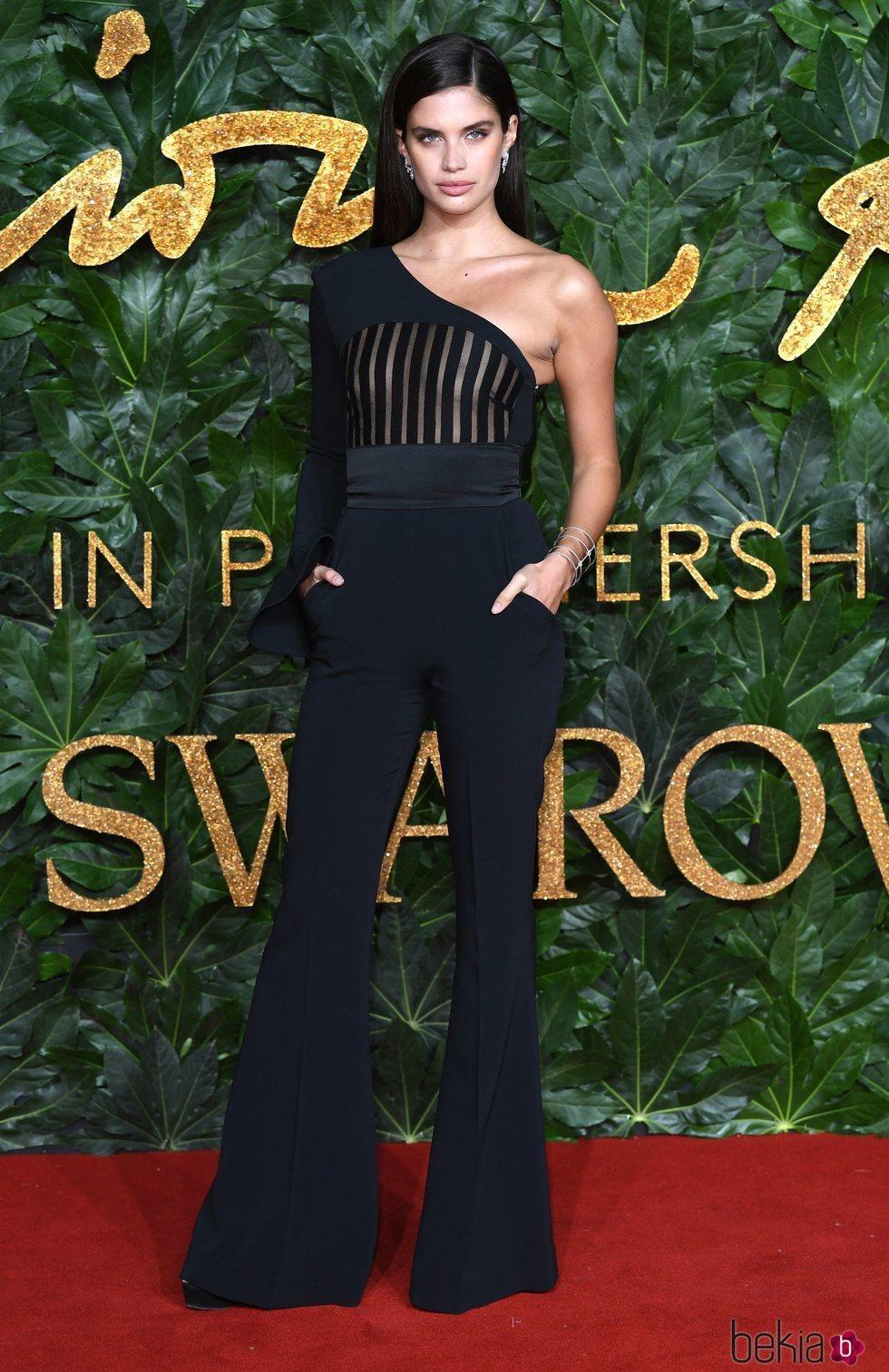 Sara Sampaio en los British Fashion Awards 2018