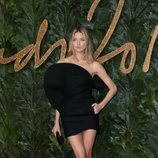 Martha Hunt en los British Fashion Awards 2018