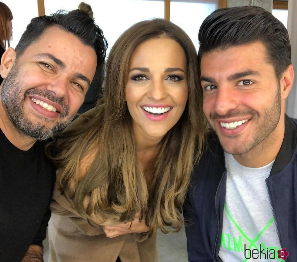 Paula Echevarría con Miguel Torres y su maquillador