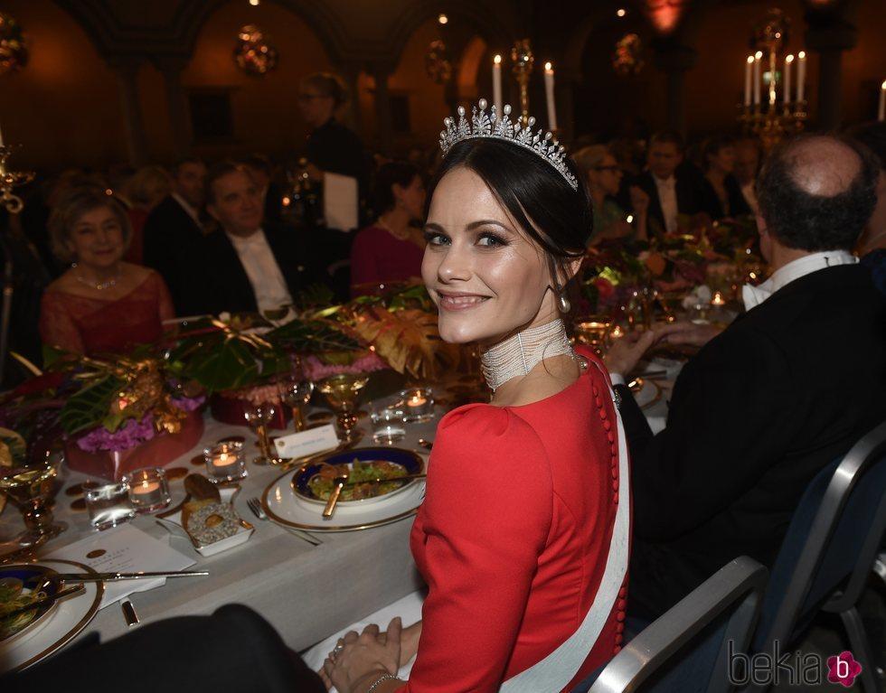 Primer plano de la Princesa Sofía de Suecia en los Premios Nobel 2018