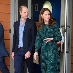 Los Duques de Cambridge visitan un centro para personas sin hogar en Londres