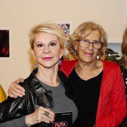 Karmele Marchante y Manuela Karmena en la presentación de 'Puta no se nace'