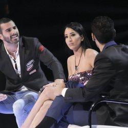 Suso, Aurah Ruiz y Asraf discutiendo en el cara a cara de la semifinal de 'GHVIP6'