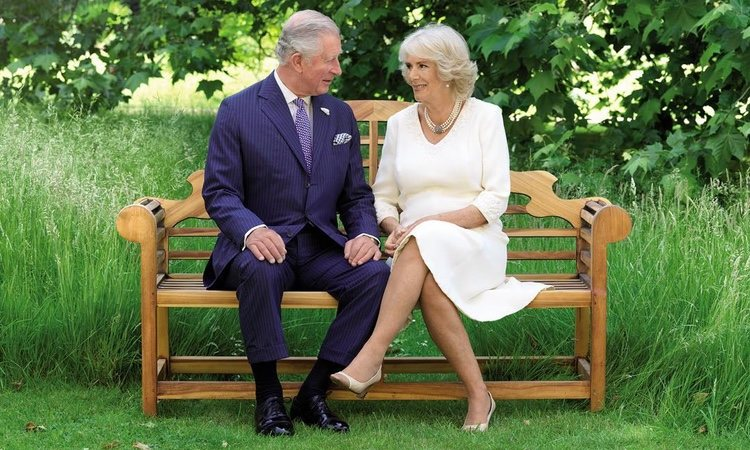 El Príncipe Carlos y Camilla Parker felicitan la Navidad 2018 desde Clarence House