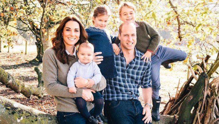 Los Duques de Cambridge con sus hijos Jorge, Carlota y Luis en Anmer Hall