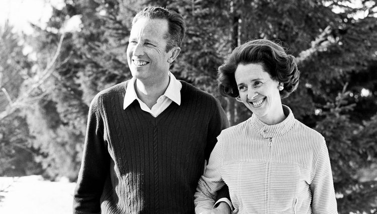 Los Reyes Balduino y Fabiola de Bélgica posando felices y sonrientes