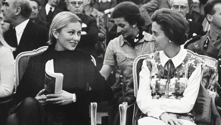 La Reina Fabiola de Bélgica junto a su cuñada, la Princesa Paola de Lieja