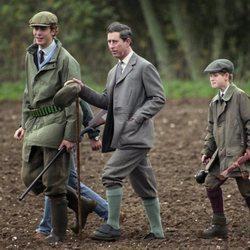 El Príncipe Carlos y el Príncipe Harry cazando