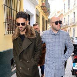 Manuel Cortés Bollo y Kiko Rivera acudiendo al entierro de Chiquetete