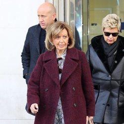 María Teresa Campos junto a Terelu Campos tras una revisión médica