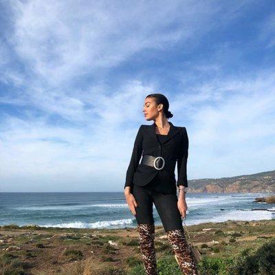 Georgina Rodríguez a la orilla del mar