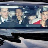 Lord Frederick Windsor y Sophie Winkleman con su hija Maud en el almuerzo navideño en Buckingham Palace 2018