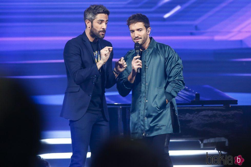 Pablo Alborán y Roberto Leal en la gala final de 'OT 2018'