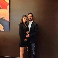 Sara Sálamo e Isco Alarcón anunciando que van a ser padres
