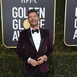 Ryan Seacrest en la alfombra roja de los Globos de Oro 2019