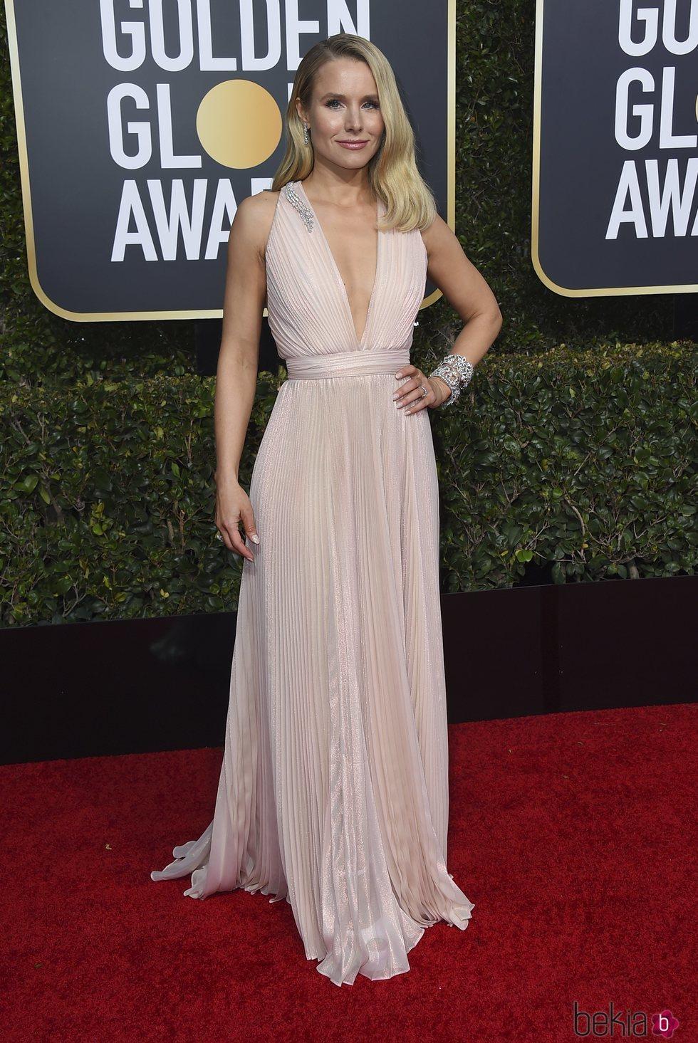 Kristen Bell en la alfombra roja de los Globos de Oro 2019