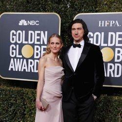 Adam Driver y Joanne Tucker en la alfombra roja de los Globos de Oro 2019