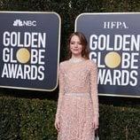 Emma Stone en la alfombra roja de los Globos de Oro 2019